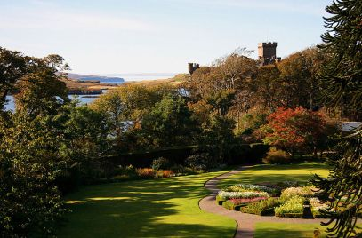 800px-The_Round_Garden,_Dunvegan_Castle