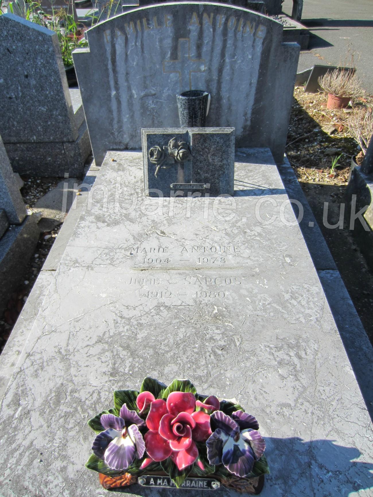 1.JMBSITEaMaryAnsellgrave2012 c