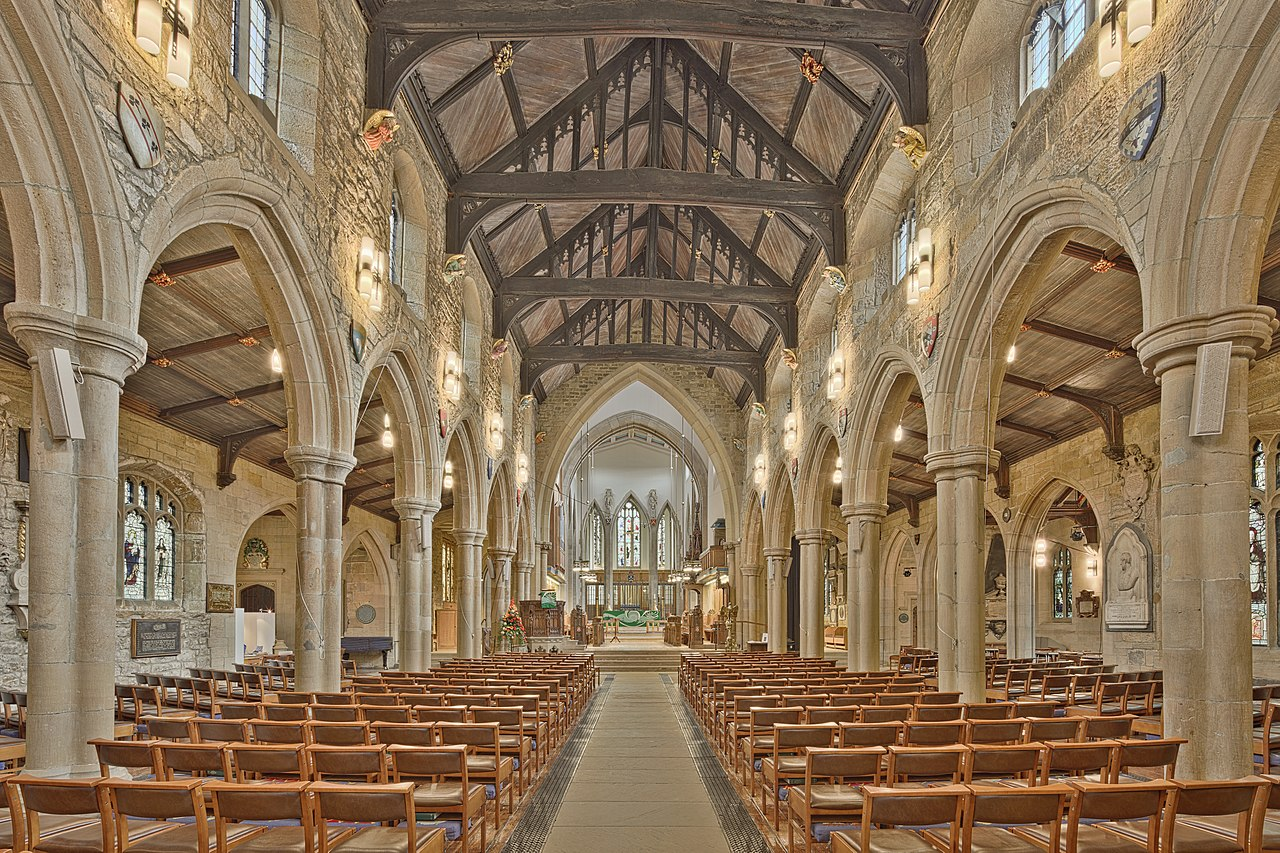 1280px-Bradford_Cathedral_Nave
